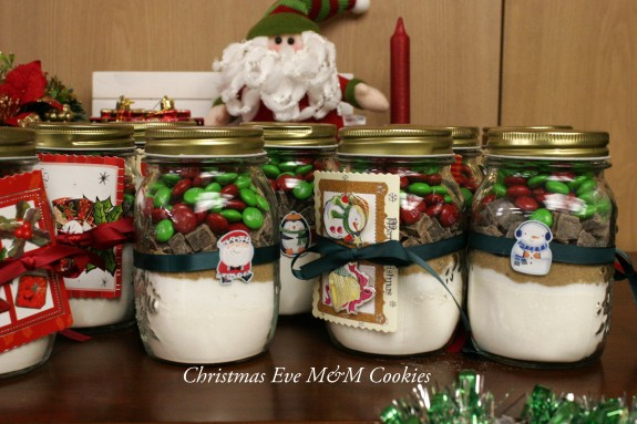 Christmas Eve M M Cookies In A Jar One Apron